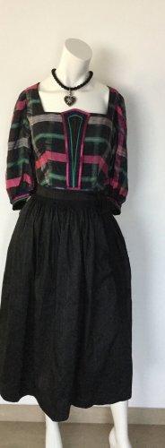 Salzburger Dirndl Dirndl nero-rosa