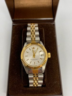 Watch With Metal Strap gold-colored-light grey