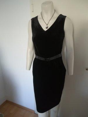 Samtiges schwarzes Kleid von ESPRIT Größe M