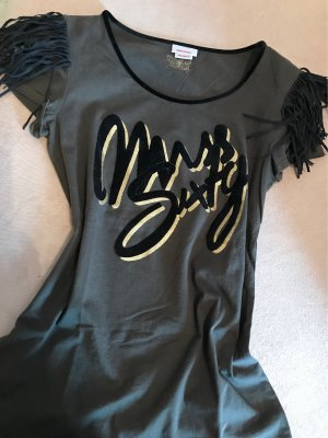 Samtschrift mit Gold ist dieses tolle Shirt von Misd Sixtty