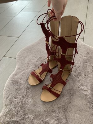 Strapped High-Heeled Sandals bordeaux