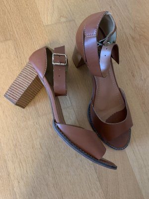 Sandalo toe-post marrone