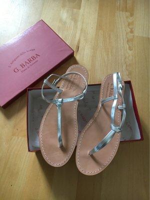 Sandalias con talón descubierto color plata