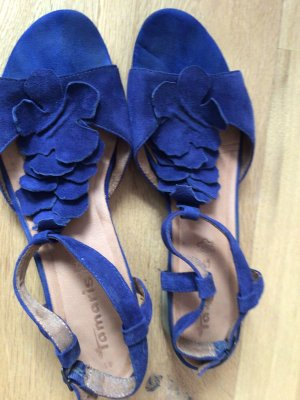 Sandale in schöner Form und super Farbe