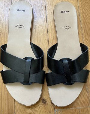 Bata Sandalo con cinturino nero