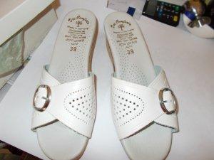 Sandalo con tacco crema