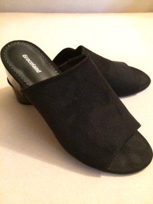Sandale / Pantolette mit Lackabsatz - neuwertig