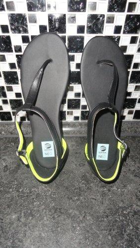 Adidas NEO Chanclas negro-verde pradera
