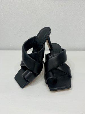 Zara Sandalias de tacón con talón descubierto negro