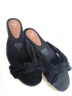H&M Sandales à talons hauts et plateforme noir-beige clair