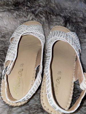 Avena Strapped Sandals multicolored