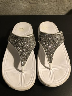 Sandalias de tacón con talón descubierto blanco-color plata
