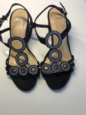 Bata Sandalo con cinturino e tacco alto nero