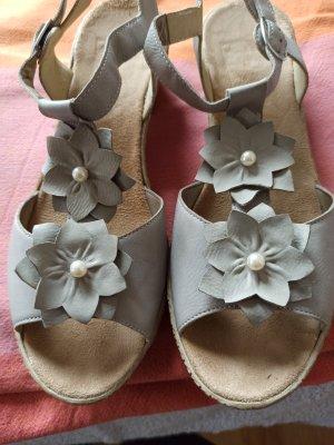 Rieker Sandalen met bandjes en hoge hakken licht beige