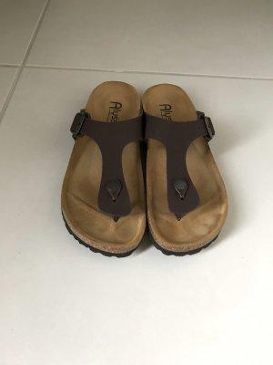 Toe-Post sandals dark brown