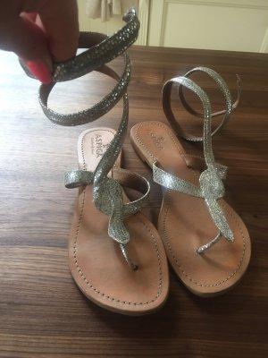 Sandalias con talón descubierto color plata-camel