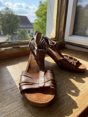 Salamander Beach Sandals brown