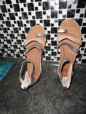 UGG Australia Wygodne sandały beżowy-srebrny Skóra