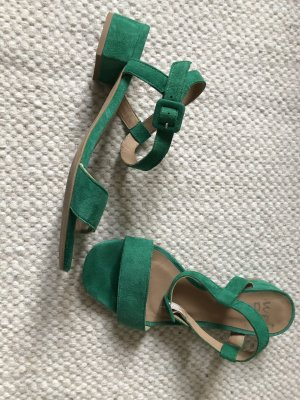 Strapped High-Heeled Sandals green