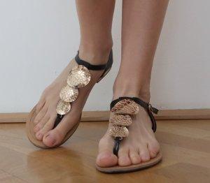 Romeinse sandalen zwart-goud Imitatie leer