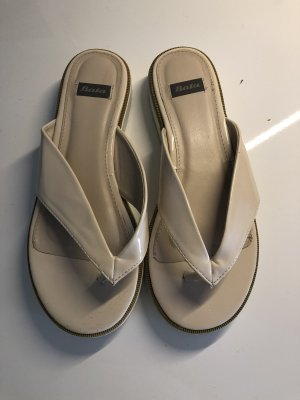 Bata Sandalo toe-post crema-bianco