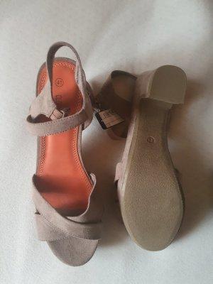 Sandalen, beige, Größe 41, neu