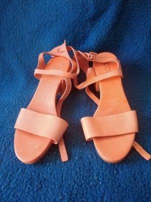 COS Sandales à lanière abricot