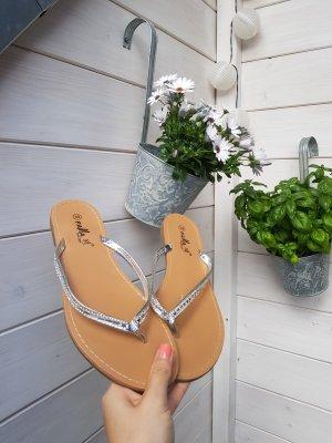 Sandalen Flip Flops Zehentrenner 39 silber glitzer neu