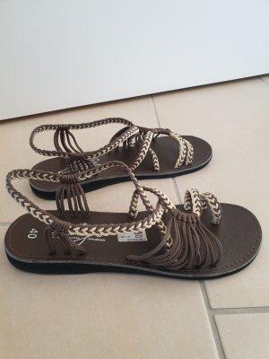 Sandalen geflochten