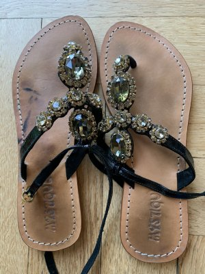 Mystique High-Heeled Toe-Post Sandals black