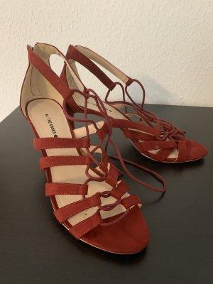 Sandales à talons hauts et lanière bordeau