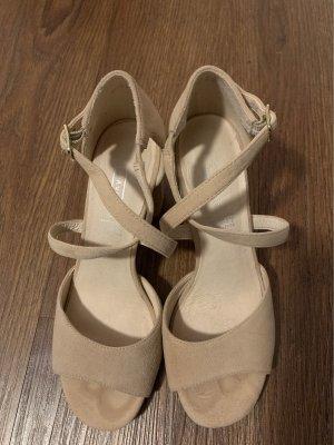 5th Avenue Strapped Sandals cream