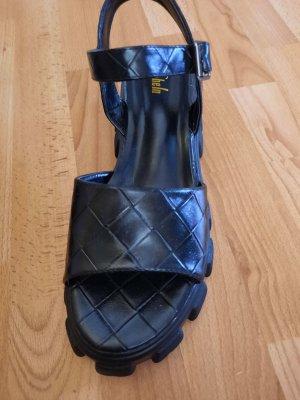 Sandalen mit Chunkysohle