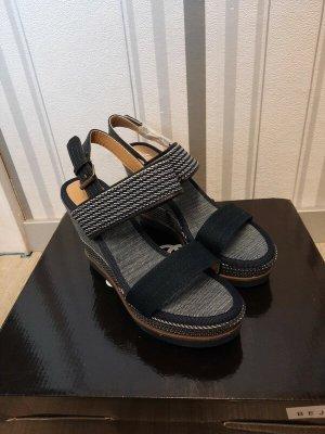 Sandalen mit Keilabsatz in blau Größe 39 Neu