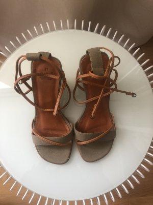 Sandalen mit Keilabsatz | Khaki