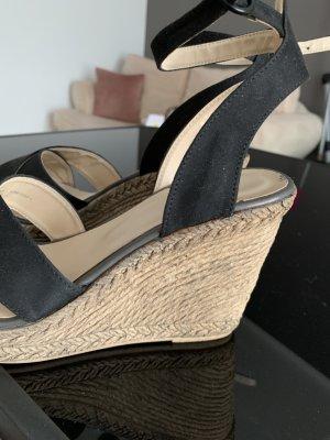 Sandalen mit Keilabsatz ungetragen nagelneu
