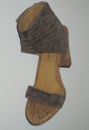 Sandalen mit Korkabsatz braun