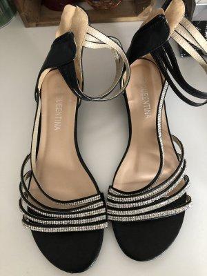 Sandalen mit leichten Keilabsatz