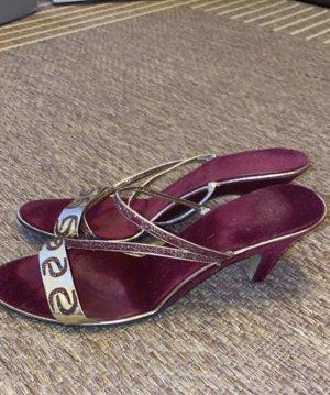 Sandalen mit niedrigen Absatz
