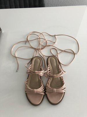 Sandalen mit Riemen von Zalando