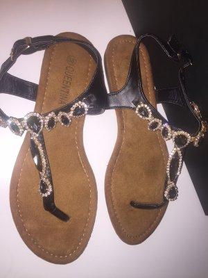 Sandalen mit Steinschmuck