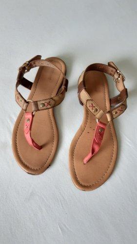 Sandalen mit süßen Riemchen
