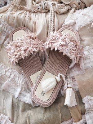 Boutique Sandały z rzemykami w kolorze białej wełny-jasnobeżowy