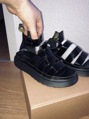 Sandalen Schwarz Lack Style Gr.40 fällt aus 38 aus