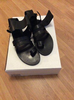Anine Bing Sandalo con cinturino nero
