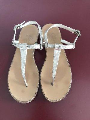 Sandalen von Bisue