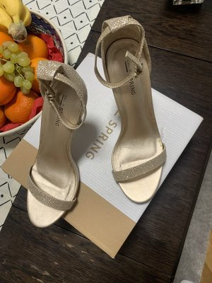 Call it Spring Strapped High-Heeled Sandals gold-colored