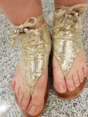 Sandalen von  Sara