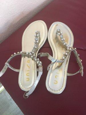 Sandalen von Unisa