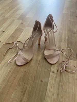 Sandalen zum Schnüren
